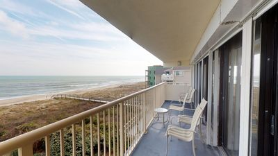 Photo for Oceanfront! Great Kitchen, Big TVs, Wide Beach, Pools, Spa, Elevators. Book now for 2019!