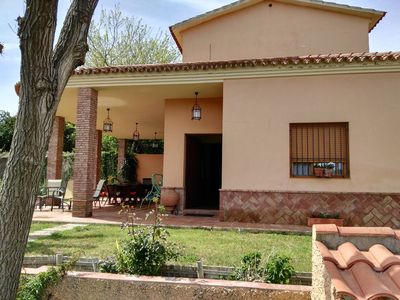 Photo for Ideal for families and groups, independent house 20 km from Sevill
