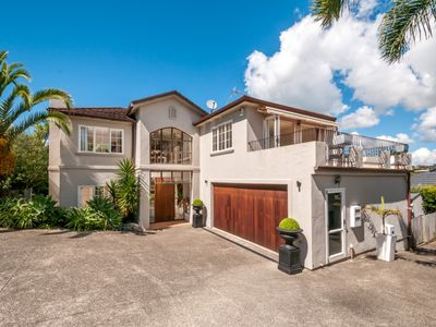 Photo for BEAUTIFUL  Large executive 5 bedroom on Cliff Rd
