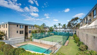 Photo for 14 The Dunes, 38 Marine Dr - large unit with pool, tennis court and across from Fingal beach