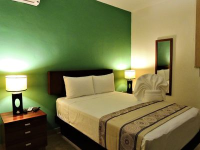 Photo for Bonito depa 4 per, 2 hab céntrico a 1 cuadra 5a Av
