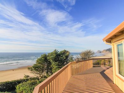 Photo for Roads End Oceanfront Home w/Hot Tub