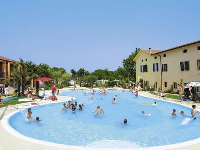 Photo for Holiday park Bella Italia, Peschiera  in Südlicher Gardasee - 6 persons, 2 bedrooms