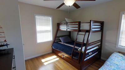 2ND BEDROOM W/BUNK BED THAT SLEEPS 4 & FULL SIZE FUTON