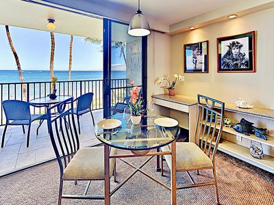 Dining Room - Gorgeous views of the Pacific ocean