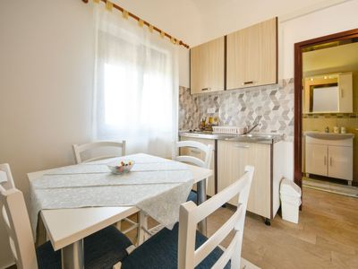 Photo for Apartment Pisak in Novigrad (Zadar) - 3 persons, 1 bedrooms