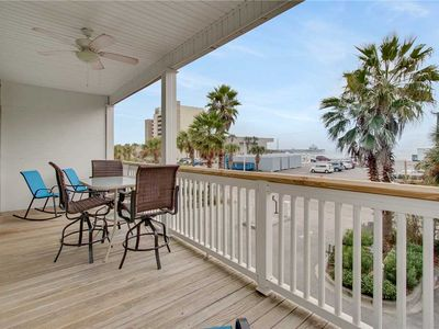 Photo for Pavilion Watch 1A - Easy Walk to Dining and Nightlife - Stunning Ocean Views!