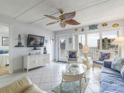 Photo for Charming Condo with Beach Access Directly Across from Condo! Swimming Pool & Hot Tub!