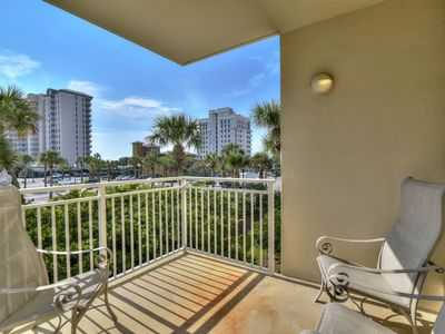 Photo for Comfortable gulf access condo w/shared pool, fitness room, snack back & more!