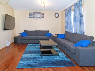 Photo for Roomy 3BR, sleeps 10, 9mins to Airport, 15mins to DT