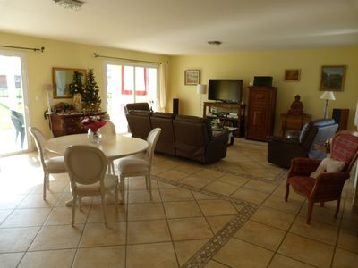 Photo for Spacious house: 180m2 habitable, great comfort in peace with swimming pool