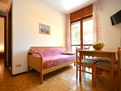 Photo for Lovely apartment for 4 people with A/C, TV, balcony, pets allowed and parking