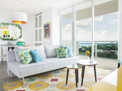 Private 2/2.5 bay view apt. in Coconut Grove Hotel includes parking!
