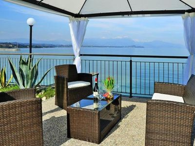 Photo for Residence Miralago, Desenzano  in Südlicher Gardasee - 6 persons, 2 bedrooms