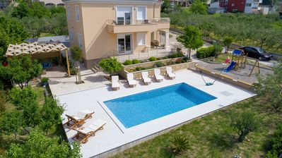 Photo for Luxury Villa Castrum with heated pool
