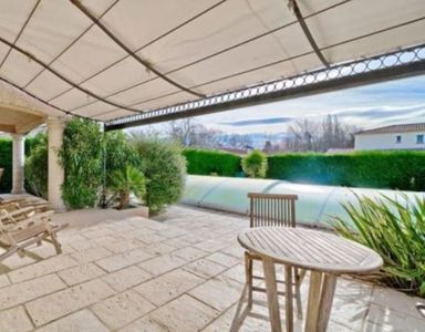 Photo for 180 m² pool villa located in Provence