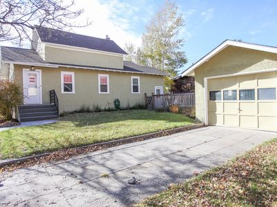 Photo for Quaint Livingston Southside Bungalow close to parks, river and dining