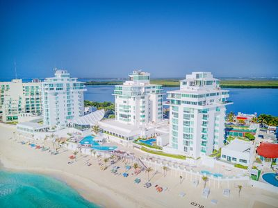 The resort where penthouse #3000 is located, Oleo Cancun Playa.