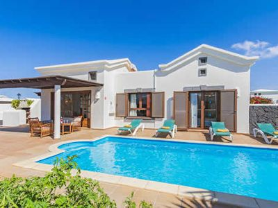 Photo for Peaceful villa in resort with pool and Wi-Fi, close to the beach and other attractions
