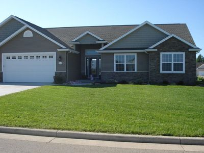 Photo for 4 Bedroom, 3 1/2 Bath Newer home - only 17 minutes from EAA!