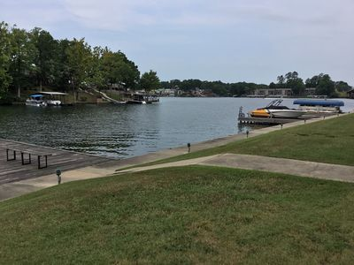 On the water! Great Lake View!/unit 9/Convenient to Oaklawn Racing w/o traffic!