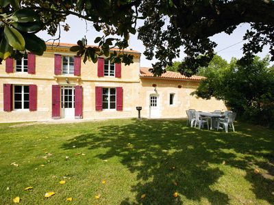 Photo for Family house on a Bordeaux winery, overlooking the garden and vines