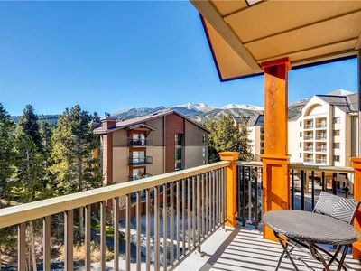 Photo for Penthouse condo with vaulted ceiling, outdoor pool & hot tubs, close to hiking/biking trails