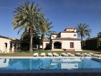 Beautiful traditional Spanish villa for our family holiday.