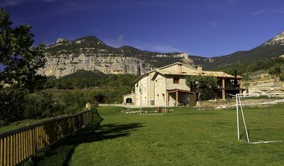 Photo for 3BR Cottage Vacation Rental in Odèn, Lleida