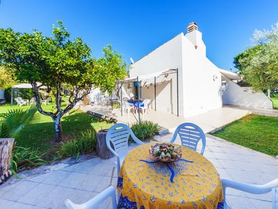 Photo for Beautiful and elegant villa, only 300 meters away from the beach
