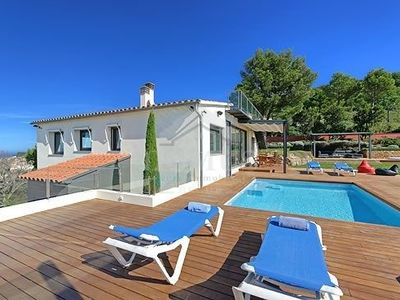 Photo for 4 bedroom Villa, sleeps 8 in Begur with Pool, Air Con and WiFi