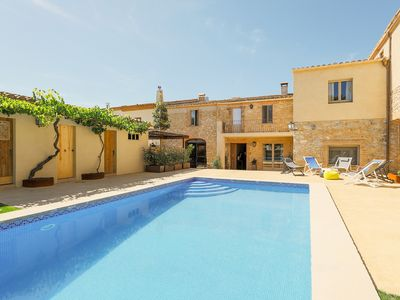 Photo for Magnificent house with pool in Baix Empordà only 5 minutes from the beach
