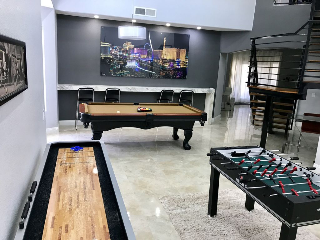Luxury home game rooms - Brand New Game Room 9 Shuffle Board Pool Table Soccer Table