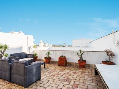 Photo for Family Friendly Apartment with Rooftop Terrace - Apartment La Tahona