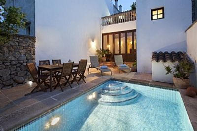 Photo for Character Townhouse With Pool, Terrace And Views