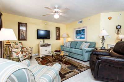 The living area has plenty of seating for all your guests - The living area has plenty of seating for all your guests