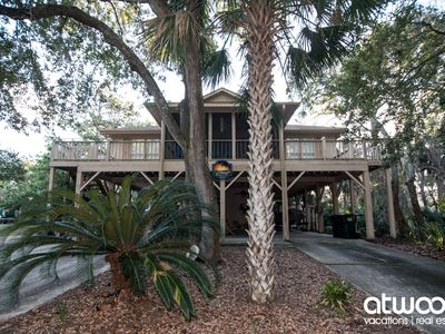 Photo for Slow Drift - Easy Beach Access; Dual Screened Porches; Quiet Location