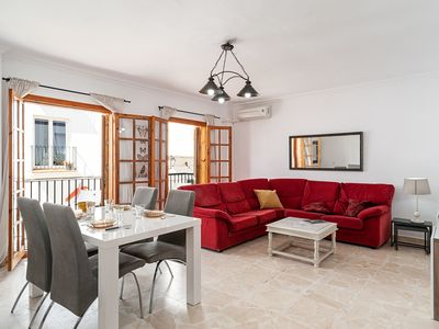 Photo for Central Apartment Close to Beach with Air Conditioning, Wi-Fi & Terrace; Pets Allowed