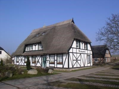 Photo for Holiday apartment in the thatched manor house with lake view