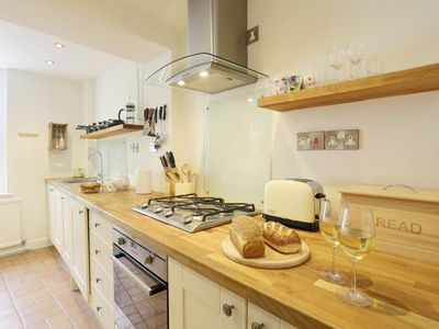Photo for Honeypot Cottage - Two Bedroom House, Sleeps 3