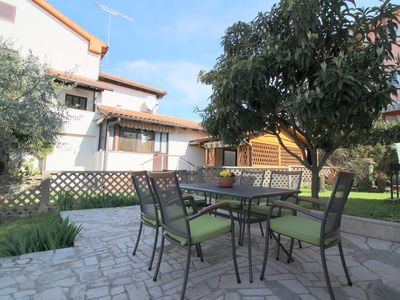 Photo for Holiday apartment 600 m from the Adriatic Sea and the center