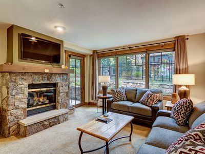 Photo for Ski Home & Walk to Town.  Cozy Condo + all the Amenities for Weekend Adventurers