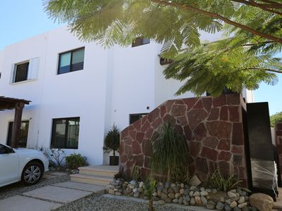 Photo for Gorgeous 3 Bdr House w/ocean view, 3pools & gym