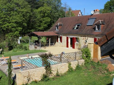 Photo for A beautiful cottage in the Black Perigord quiet with heated pool