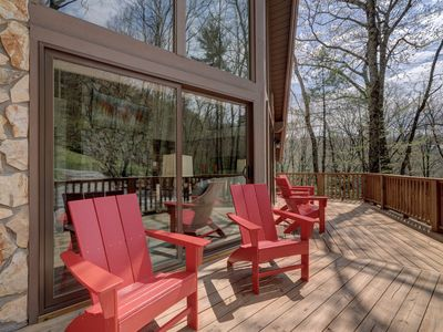 Photo for In-Town Luxury Home Fully Remodeled Set In Quiet Neighborhood Among The Trees