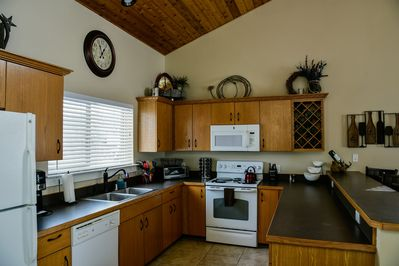 Fully equipped kitchen with anything you need for homemade meals