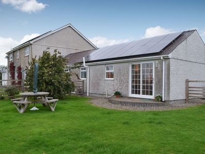 Photo for 2 bedroom accommodation in Cerrig Ceinwen, near Llangefni