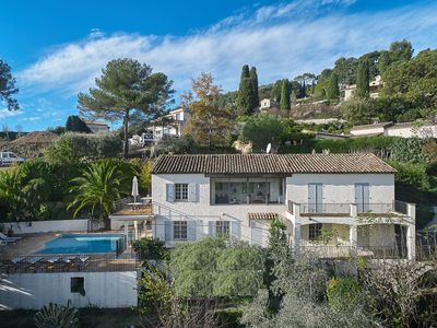 Photo for Spacious detached Provencal villa with stunning views of St Paul de Vence