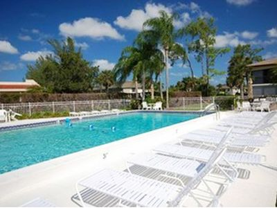 Photo for Lovely condo close to Olde Naples