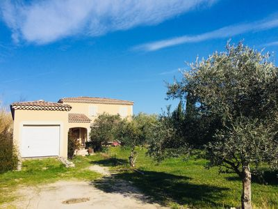 Photo for Beautiful provencal country house near the Avignon festival
